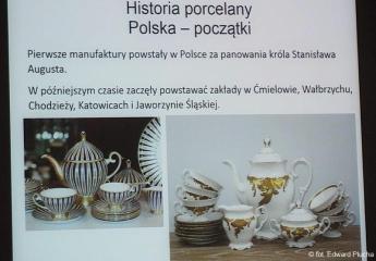 04.12.2019 r.  Wykład p. Krystyny Zaręba na temat historii wytwarzania wyrobów z porcelany w Europie i w Polsce.