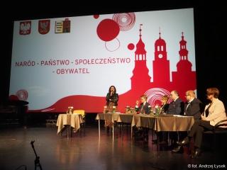 05.02.2020 r. Zdjęcia zrobione przez słuchacza OUTW Andrzeja Łyska z wykładów, jak na zdjęciu.
