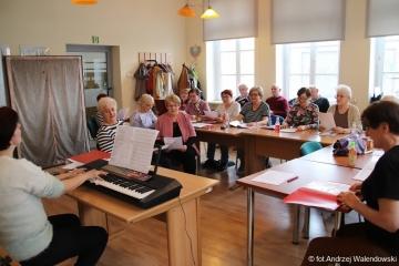 """05.04.2018 r. Spotkanie słuchaczy OUTW na """"próbie"""" chóru."""