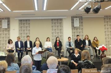 09.05.2019 r. Słuchacze OUTW uczestniczyli razem z młodzieżą szkól Oleśnickich w czytaniu Pana Tadeusz w ramach projektu Soplicowo .