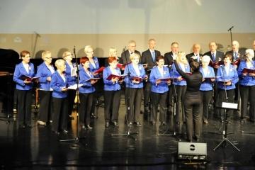 11.11.2017 r. W sali widowiskowej BiFK w Oleśnicy odbył się patriotyczny koncert w wykonaniu między innymi chóru OUTW CANORUS.