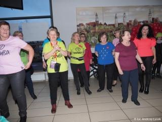 12.01.2020 r. II część zdjęć z 28 finału WOŚP (w MOKiS), w którym między innymi sekcja Zumby OUTW dała pokaz tańca.