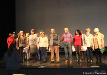 12.12.2018 r. Próba generalna chóru i sekcji teatralnej przed występem w Oleśnickim Zamku.