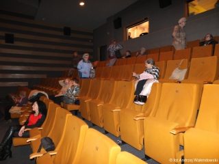"""12.12.2018 r. Tradycyjnie w sali widowiskowej spotkali się miłośnicy opery, tym razem na oglądaniu baletu """"Dziadek do orzechów"""""""
