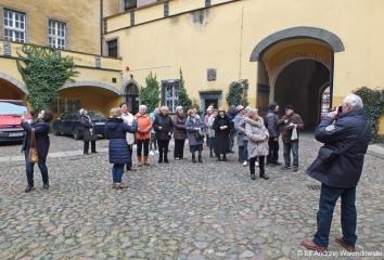 15.03.2018 r.  Sympatycy sekcji regionalnej spotkali sie z przewodnikiem w towarzystwie, której zwiedzali oleśnicki zamek.
