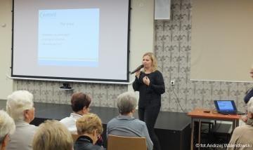 18.10.2017 r. Wykład Iwony Rumińskiej z Centrum Zdrowia Emvit w Trzebnicy na temat: Zaparcia i wzdęcia.