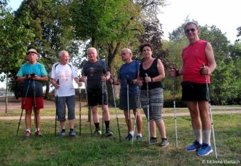 23.08.2018 r. Tradycyjnie w Poniedziałki i Czwartki najwierniejsi sympatycy Nordic Walking spotykają się nad oleśnickimi stawami.