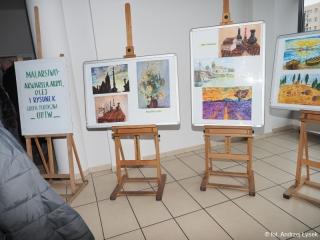 29.01.2020 r. Wystawa prac Sekcji plastycznej OUTW w holu MOKiS-u w Oleśnicy.